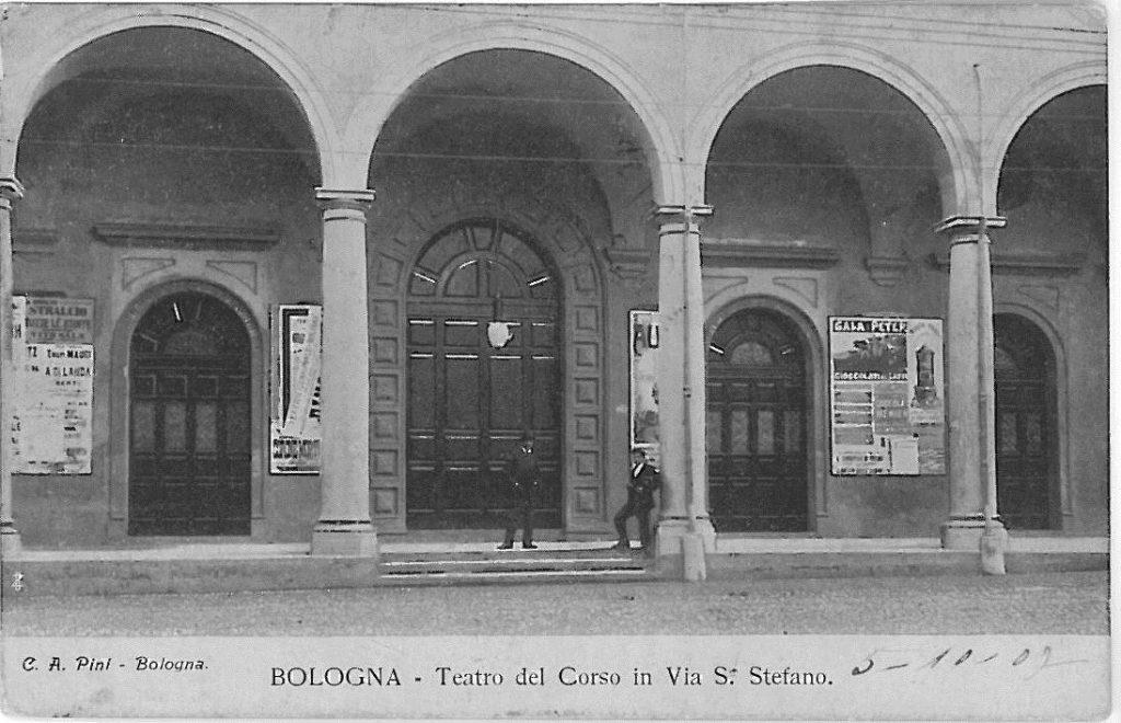 718 Teatro del Corso portico 2